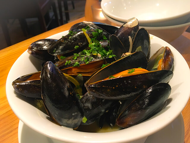 Mussel in bowl